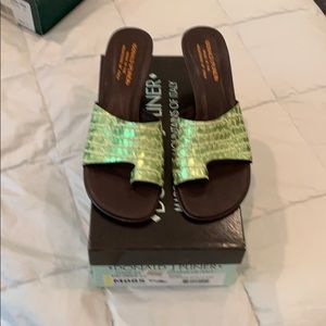 NIB never worn Metallic green kitten heel